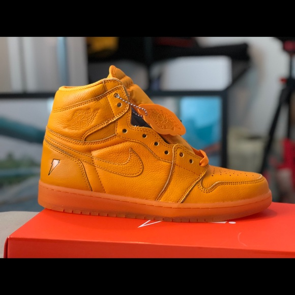 fb2e57261ed Nike Air Jordan Gatorade Orange Peel Shoes